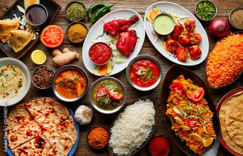 La pose en embrasure Nourriture Assorted Indian recipes food various