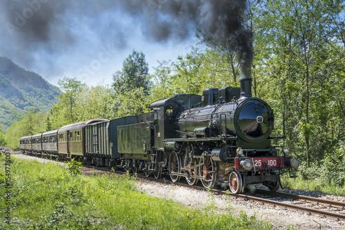 Pinturas sobre lienzo  Vintage steam train