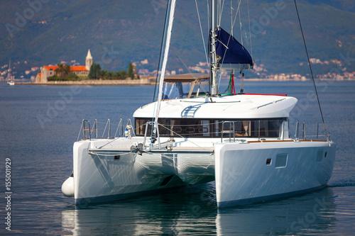 Valokuvatapetti Sailing catamaran