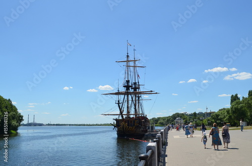 Türaufkleber Schiff VORONEZH, RUSSIAN FEDERATION - JUNE 13, 2015: Replica of the Goto Predestination, literally The Providence of God (designed of Peter the First)- Russian sailing Full rigged linear ship, built in 2014.