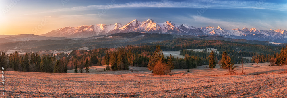 Fototapety, obrazy: Morning panorama of Tatra Mountains in early spring, Poland
