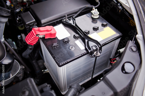 Photo Battery installed near the V8 motor in SUV