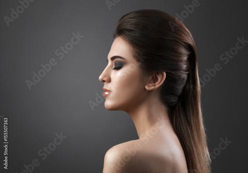 Foto op Plexiglas Beauty Beauty portrait of young fresh fashion woman