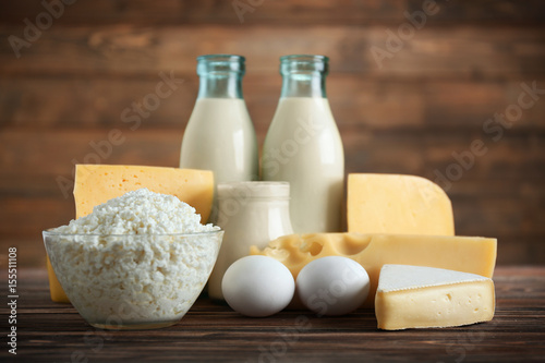 Keuken foto achterwand Zuivelproducten Different dairy products on wooden table