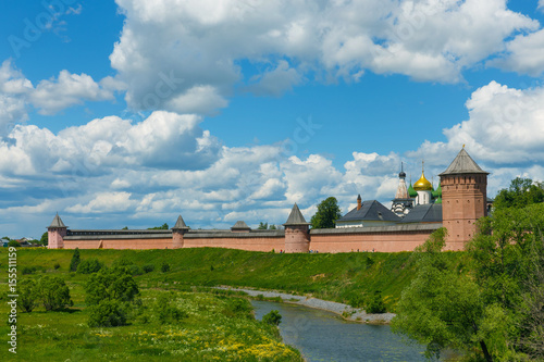 Spoed Foto op Canvas Wit The walls and towers of Spaso-Evfimiev monastery in Suzdal