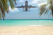 Flugzeug landet im Urlaubsparadies