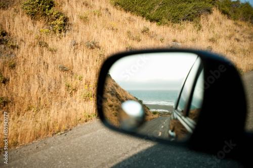 In de dag Noord Europa Reflection in wing mirror