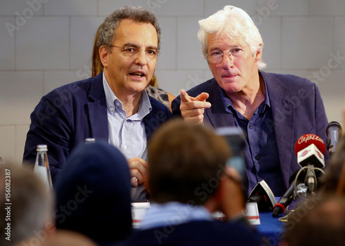 U S Actor Richard Gere Gestures During A News Conference To