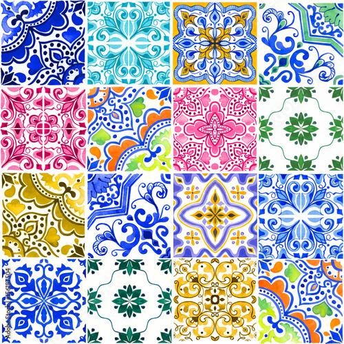 wzor-z-portugalskimi-kafelkami-akwareli-ilustracja-azulejo-na-bialym-tle-wielokolorowy-design