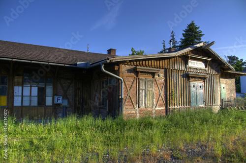 Staande foto Treinstation verlassener Bahnhof