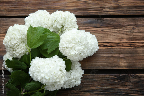 Stickers pour porte Hortensia Bouquet of beautiful hydrangea flowers on wooden background
