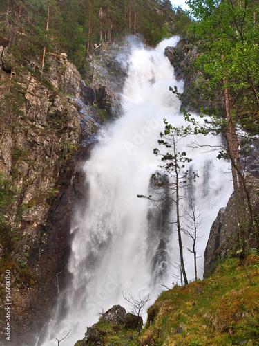 Staande foto Scandinavië Waterfall in Norway