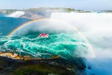 Niagara Falls Hornblower Cruis...
