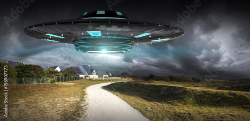 Photo  UFO invasion on planet earth landascape 3D rendering