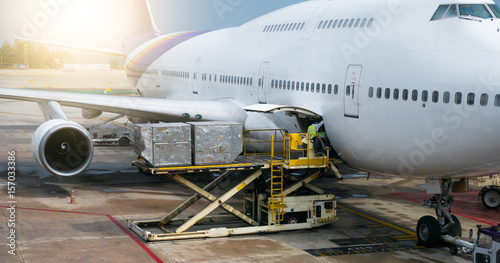 Photo  PHUKET MAY 22 , 2017 : Preparing the aircraft before flight Loading of baggage