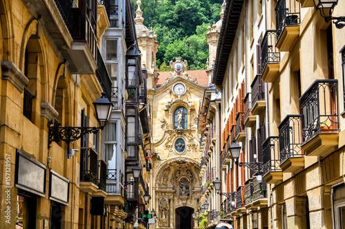Fototapeta premium widoki na stare miasto san sebastian