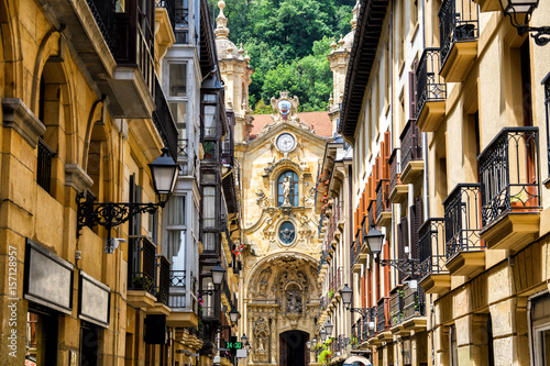 san-sebastian-old-town-views