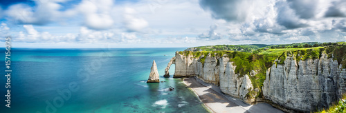 Garden Poster Blue jeans Panorama in Etretat/France alabaster coast