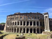 Roma, Rovine Romane Al Teatro ...