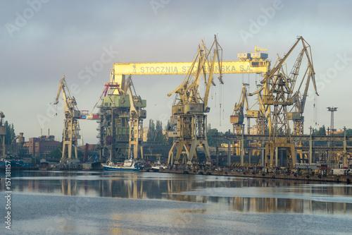 Plakat Naprawa statku na stoczni remontowej w Szczecinie