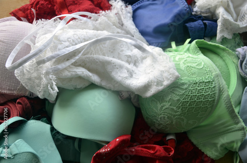 Fotografie, Obraz  Sous-vêtements fantaisie de couleur en vrac