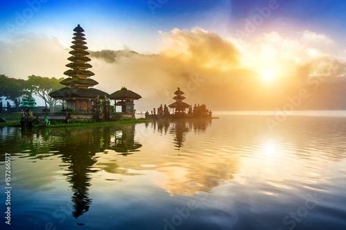 Foto op Plexiglas Indonesië pura ulun danu bratan temple in Bali, indonesia.