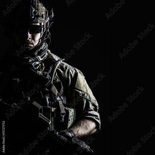 Fotografering Elite member of US Army rangers in combat helmet and dark glasses