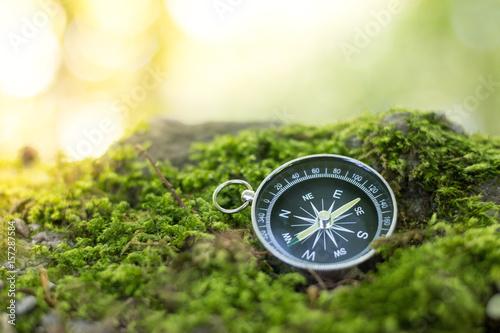 Valokuva Kompass liegend am Boden