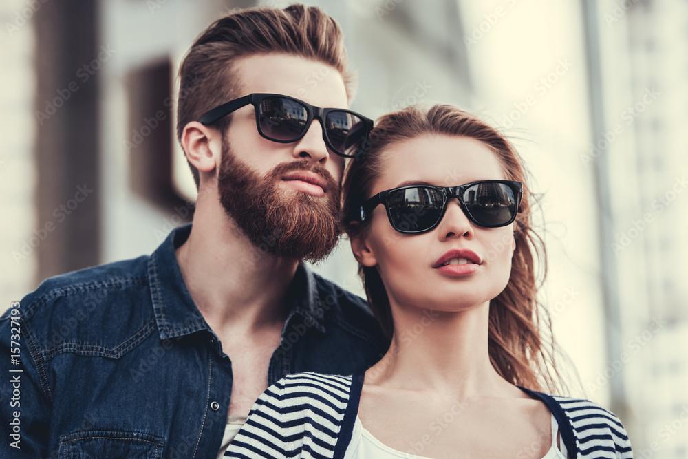 Fototapeta Couple walking in city