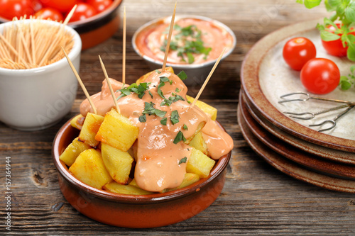 Patatas bravas traditional Spanish potatoes snack tapas Fototapet