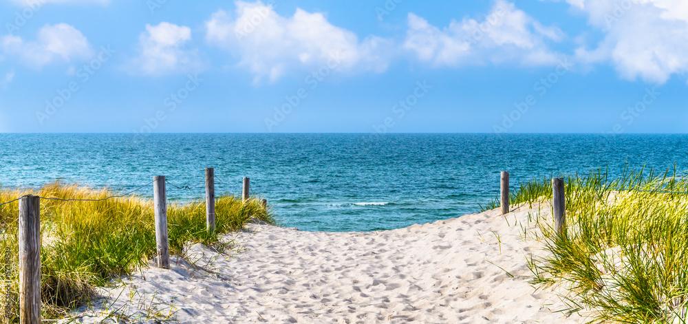 Fototapety, obrazy: Plaża nad Morzem Bałtyckim, wydmy, błękitne niebo, panorama