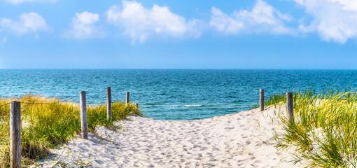 strandzugang zur Ostsee, Düne, blauer himmel, panorama
