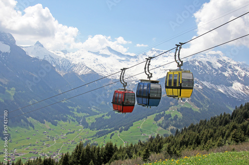 Tuinposter Gondolas gondelbahn, alpen, adelboden, schweiz