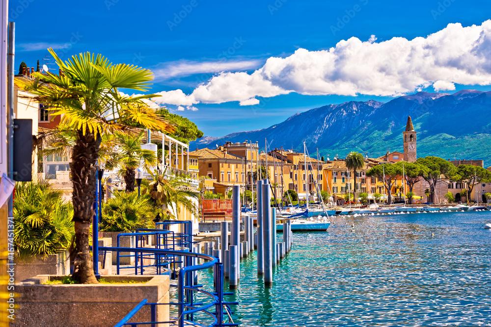Fototapeta Toscolarno Maderno village on Lago di Garda view