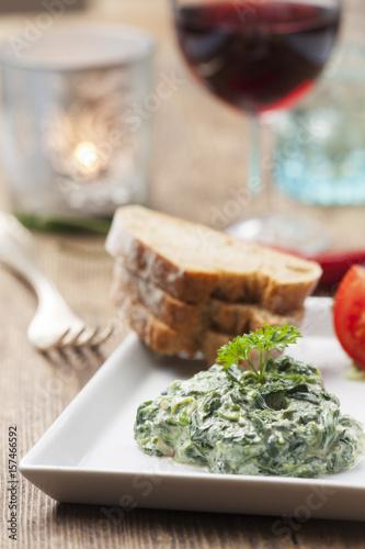 Deurstickers Voorgerecht Spinat-Joghurt-Vorspeise aus dem Libanon