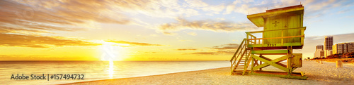 Spoed Fotobehang Centraal-Amerika Landen Miami South Beach sunrise