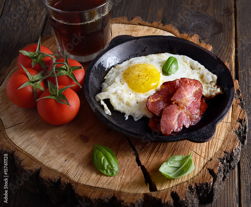 Fotografie, Tablou Fried eggs and fried bacon