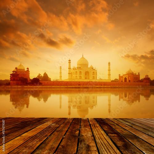 Photographie Taj Mahal Agra India on sunrise