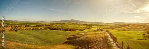 Foto op Aluminium Heuvel Beautiful panorama landscape of waves hills in rural nature, Tuscany farmland, Italy, Europe