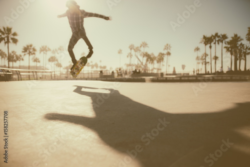 Photo  Skater in action in Los angeles