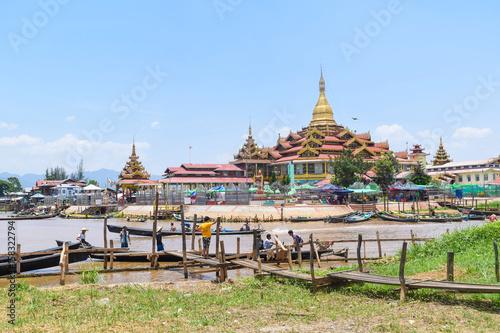 Pagoda and the lake Canvas Print