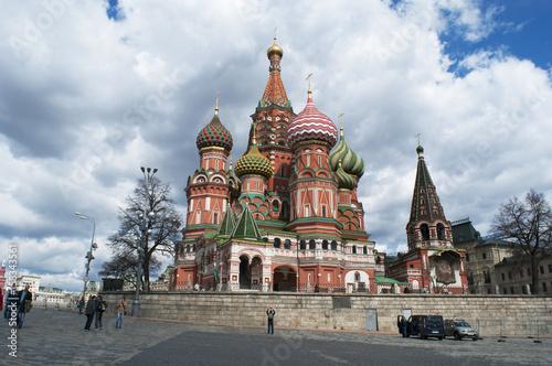 Mosca, 25/04/2017: la Cattedrale di San Basilio, la chiesa ortodossa russa più famosa al mondo costruita nella Piazza Rossa su ordine dello zar Ivan il Terribile