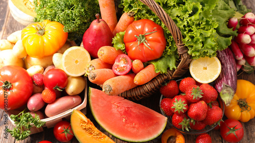 Poster de jardin Cuisine raw fruit and vegetable