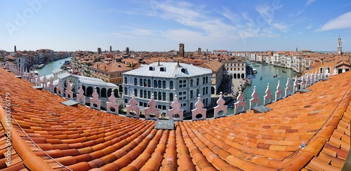 Papiers peints Orange eclat Landscape view over the red roofs of Venice, Italy