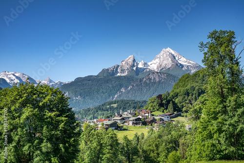 Stickers pour porte Pierre, Sable Panoramic view over Berchtesgaden with Watzmann, Bavaria, Germany