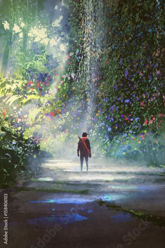 mężczyzna spacerujący w pięknym lesie z cyfrowym stylem sztuki, malarstwo ilustracyjne