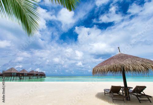 Cadres-photo bureau Tropical plage Maldives island with beach