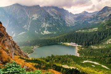 Obraz na Szkle Optyczne powiększenie Mountainous landscape with glacial lake in the valley in the High Tatras National Park, Slovakia, Europe