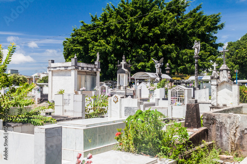 Poster de jardin Paris SANTAREM, BRAZIL - JULY 29, 2015: View of a cemetery in Santarem, Brazil