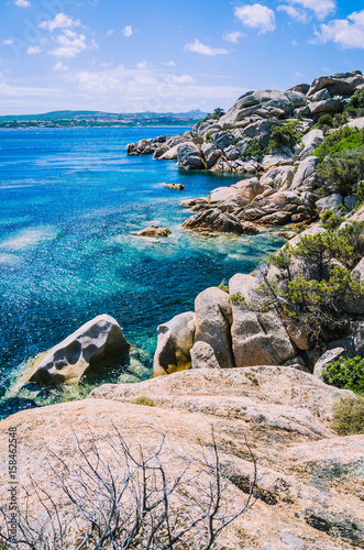 Photo  Bizarre granite rocks formation and clear azure sea on beautiful Sardinia island